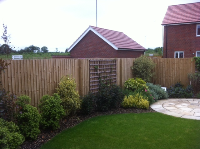 Feather Edge Close Panel Fence