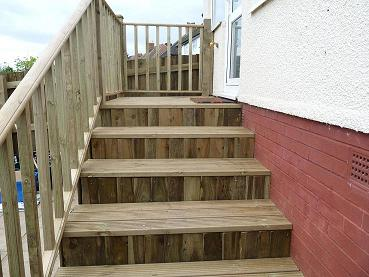 closeboard boxed steps with decking by worcester fencings solutions